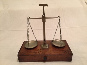 scales-of-justice-982903_1920